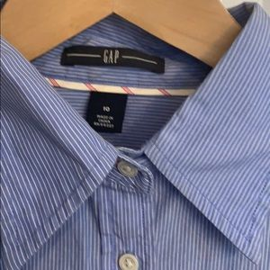 GAP Tops - Gap striped button down. Tight not loose fit M